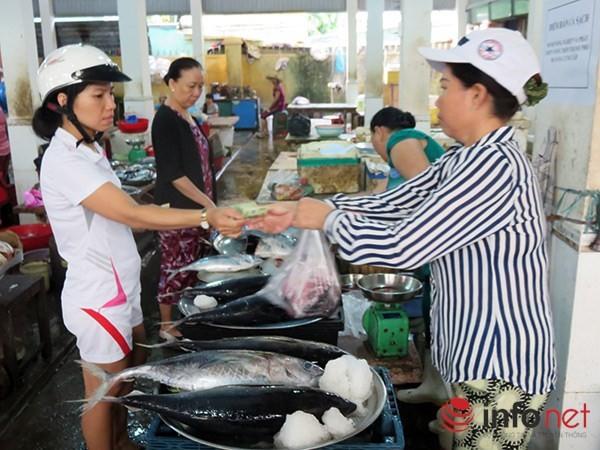 Sáng nay 3/5, cá biển sạch bắt đầu được bán ở các chợ Đà Nẵng ảnh 2