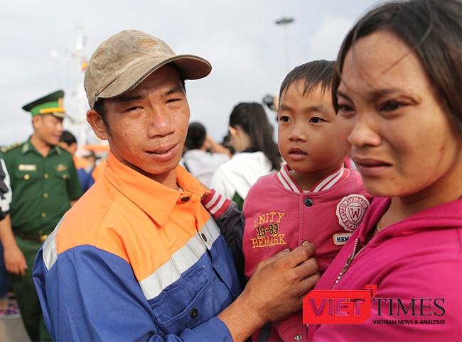 Niềm vui đoàn viên của gia đình ngư dân Nguyễn Tấn Anh