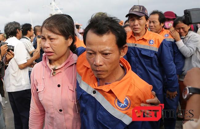 Ngư dân Nguyễn Văn Bốn đã khóc khi gặp lại vợ