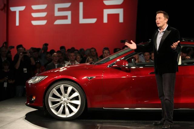 Vì sao Elon Musk luôn đặt ra những mục tiêu rõ ràng là bất khả thi cho Tesla? ảnh 1