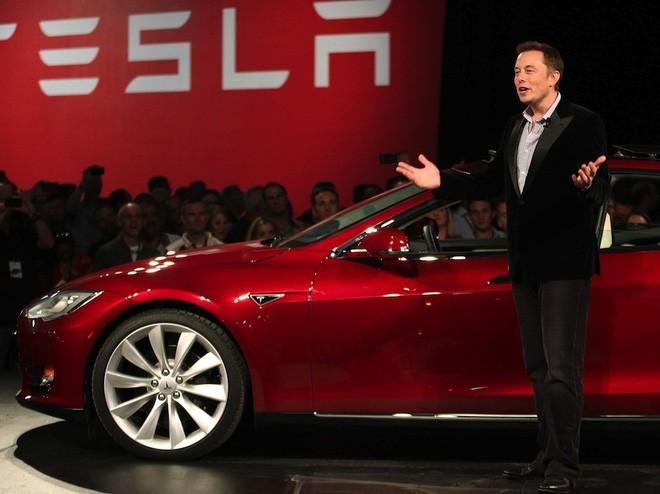 Bộ phim mới có tên: Elon Musk vs. Cuộc tấn công của binh đoàn sao chép ảnh 3