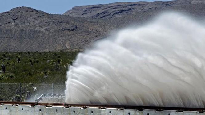 Video vụ thử tàu lửa siêu tốc Hyperloop đầu tiên đã thành công ảnh 2