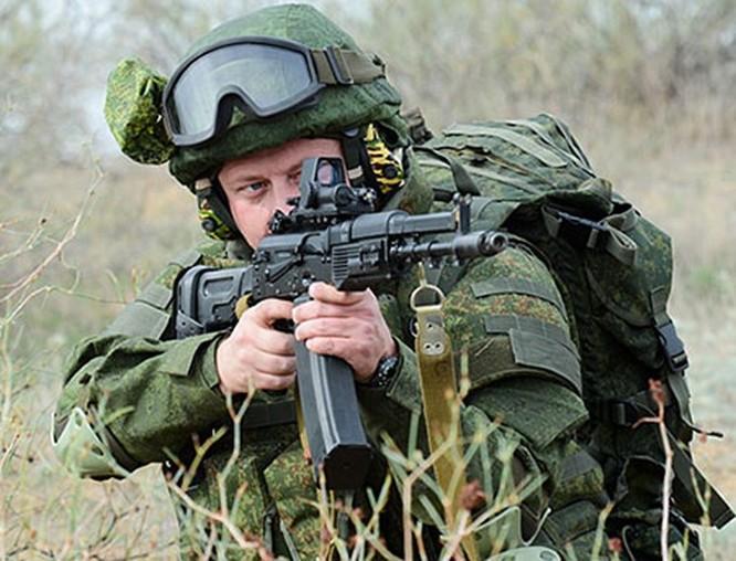 'Chiến binh', quân phục thông minh của lính Nga ảnh 1