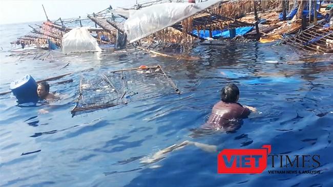 Tàu cá QNa 95959 TS cùng 34 ngư dân Quảng Nam bị tàu lạ đâm chìm trên biển .