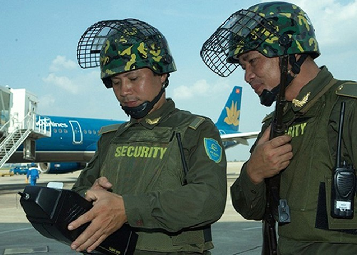 """""""Đóng cửa"""" sân bay Nội Bài đón chuyên cơ của ông Obama ảnh 2"""