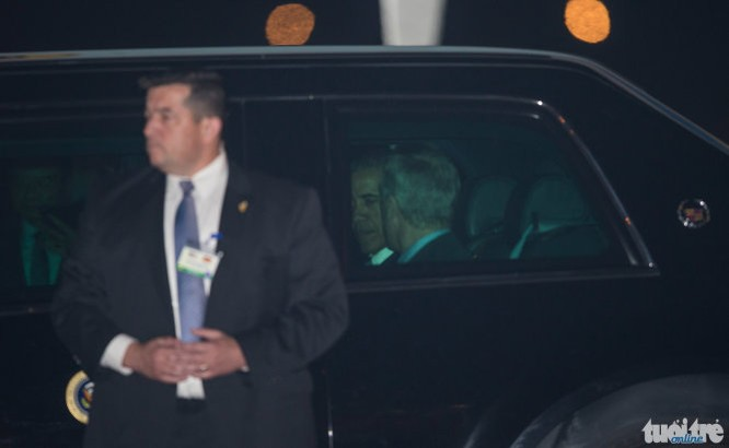 21h31: Chuyên cơ đã hạ cánh, Tổng thống Mỹ Obama bắt đầu chuyến thăm Việt Nam ảnh 8