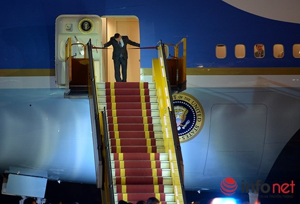 Video vòng bảo vệ cẩn mật của các mật vụ bảo vệ Tổng thống Obama tại Việt Nam ảnh 5