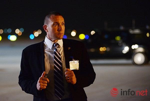 Video vòng bảo vệ cẩn mật của các mật vụ bảo vệ Tổng thống Obama tại Việt Nam ảnh 7