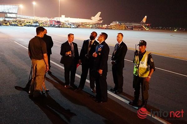 Video vòng bảo vệ cẩn mật của các mật vụ bảo vệ Tổng thống Obama tại Việt Nam ảnh 3