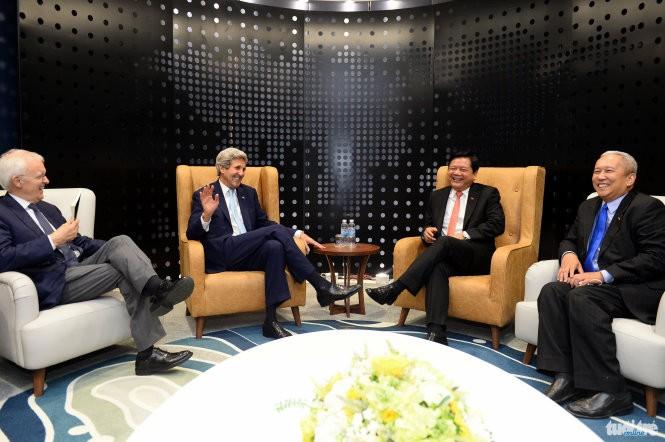 Ngoại trưởng John Kerry: Việt Nam có lẽ là nơi người dân chào đón Tổng thống Obama đông nhất ảnh 1