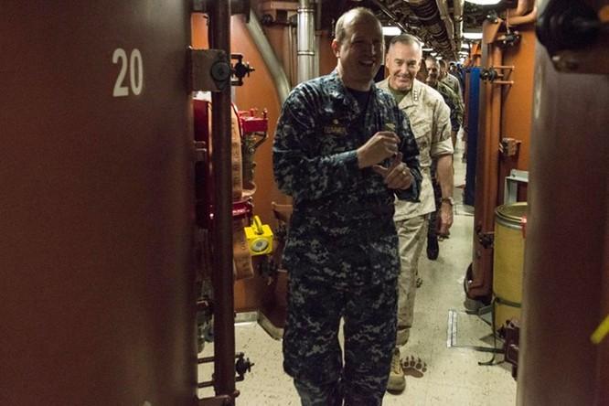 Cuộc sống bên trong một tàu ngầm hạt nhân Mỹ ảnh 3