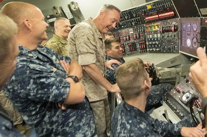 Cuộc sống bên trong một tàu ngầm hạt nhân Mỹ ảnh 7