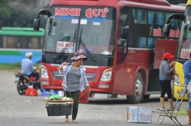 Bến xe khách Lương Yên nhếch nhác trước ngày di dời ảnh 3