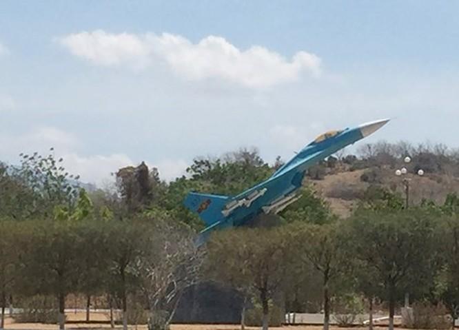 Báo Nga đưa tin Việt Nam tự sửa chữa tiêm kích Su-27, Su-30 ảnh 1
