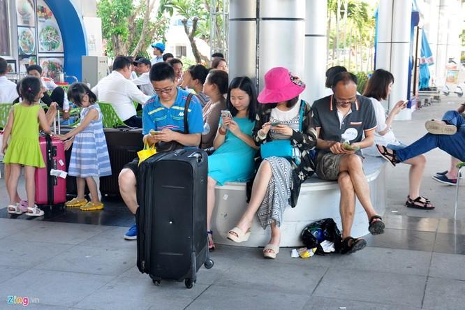 Sân bay Cam Ranh đông nghẹt khách Trung Quốc ảnh 11