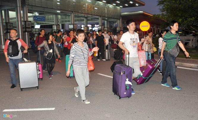Sân bay Cam Ranh đông nghẹt khách Trung Quốc ảnh 12