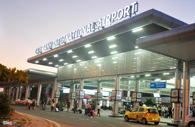 Sân bay Cam Ranh đông nghẹt khách Trung Quốc ảnh 2