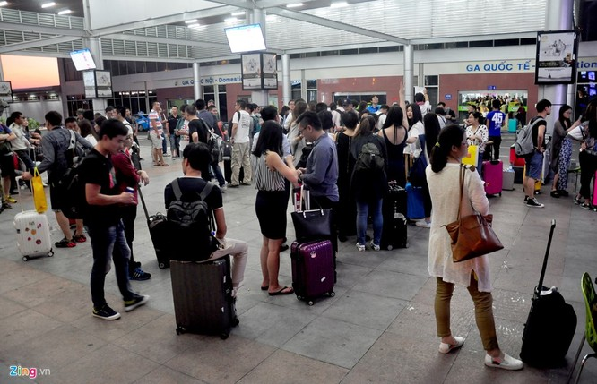 Sân bay Cam Ranh đông nghẹt khách Trung Quốc ảnh 6