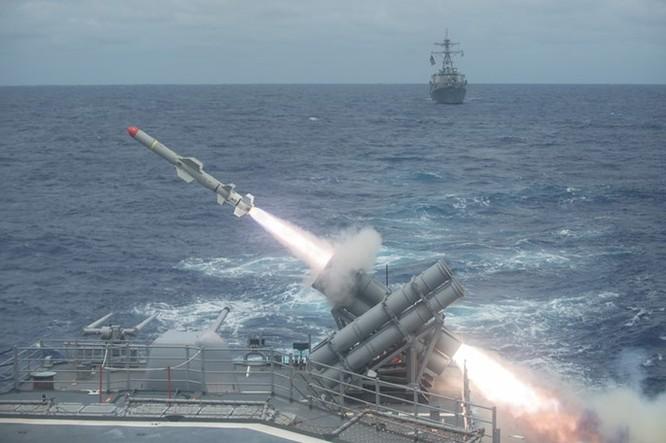 Video tên lửa diệt hạm Harpoon của Mỹ nâng tầm bắn sau 45 năm ảnh 3