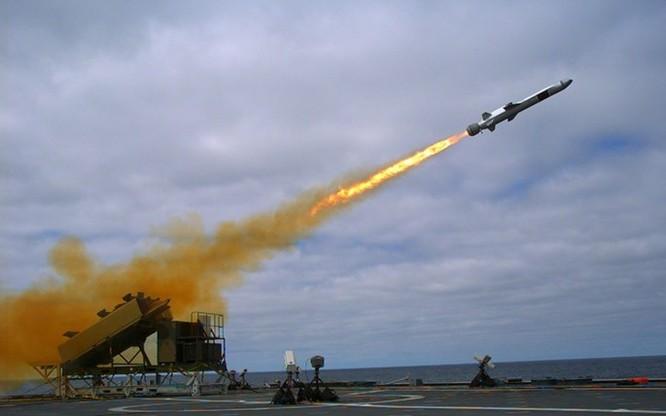 Video tên lửa diệt hạm Harpoon của Mỹ nâng tầm bắn sau 45 năm ảnh 2