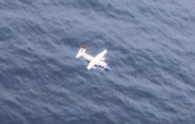 Hình ảnh cuối của máy bay CASA 212 trước khi lao xuống biển ảnh 2