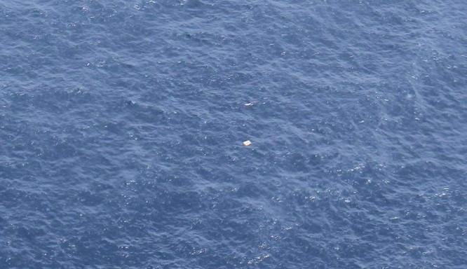 Hình ảnh cuối của máy bay CASA 212 trước khi lao xuống biển ảnh 1