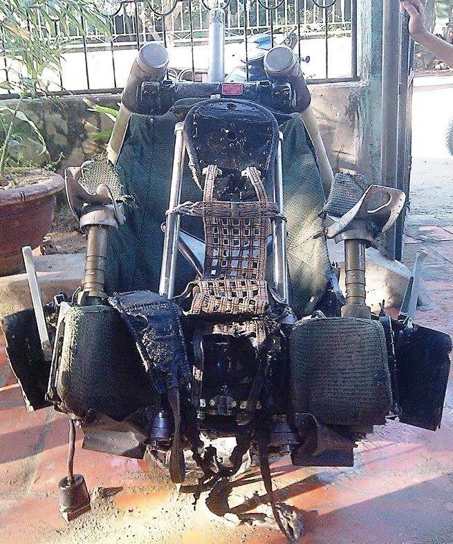 Chiếc ghế ngồi được ngư dân Thanh Hóa vớt được nghi của máy bay Su-30MK2 (Ảnh người dân cung cấp)