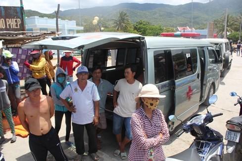 Lật bè trên Vịnh Vĩnh Hy, 2 người chết, 4 người bị thương ảnh 3