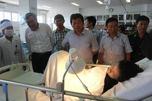 Lật bè trên Vịnh Vĩnh Hy, 2 người chết, 4 người bị thương ảnh 4