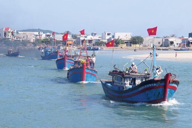 Đánh bắt xa bờ và thế trận bảo vệ vùng biển Tổ quốc ảnh 1