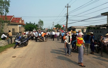 Quảng Bình: Người dân kiến nghị không giao đường ven biển cho tập đoàn FLC quản lí ảnh 1