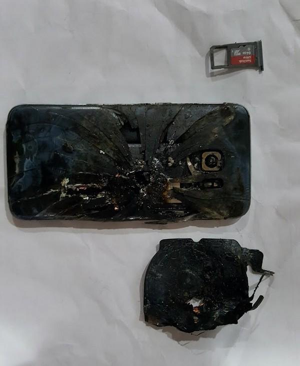 Lại thêm một chiếc Galaxy S7 edge phát nổ ảnh 1