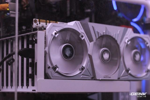 Ghé thăm phòng net khủng nhất TP.HCM: Tản nhiệt nước, GeForce series 10, màn hình cong ảnh 2