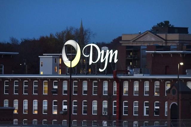 """Sau vụ DDoS, Dyn chính thức """"bán mình"""" cho gã khổng lồ Oracle ảnh 1"""