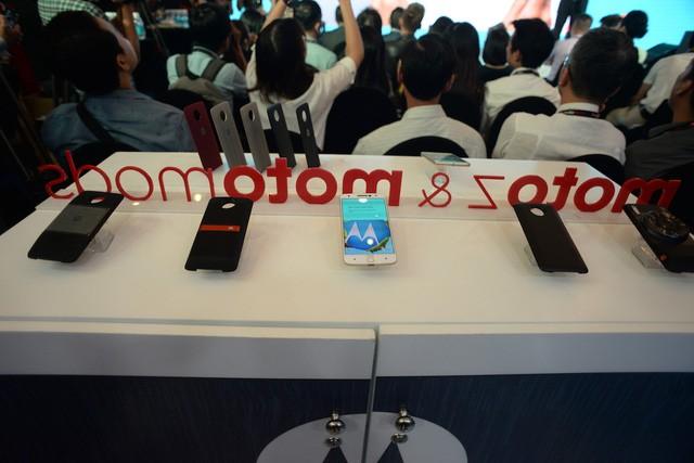 """""""Dao cạo"""" Moto Z chính thức ra mắt tại Việt Nam, giá 15,9 triệu đồng ảnh 1"""