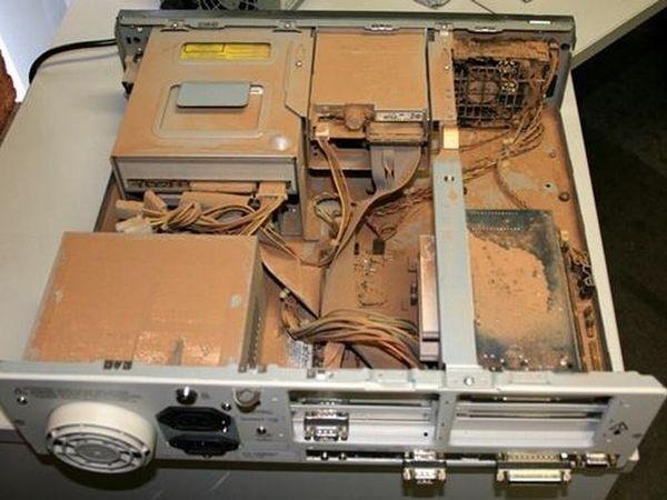 Những bộ máy tính bẩn đến mức thợ sửa nhìn vào phải phát khóc ảnh 1