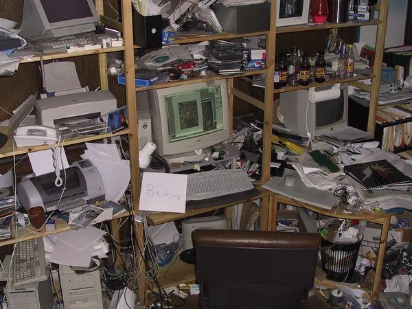 Những bộ máy tính bẩn đến mức thợ sửa nhìn vào phải phát khóc ảnh 11