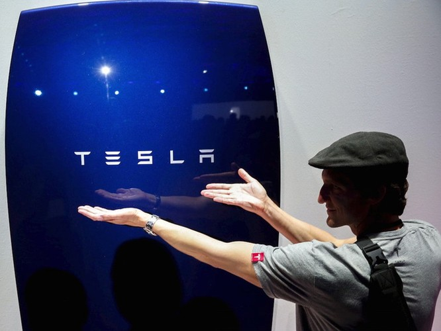 Powerwall 2.0 sẽ thay đổi cuộc sống từng gia đình của Tesla ảnh 1