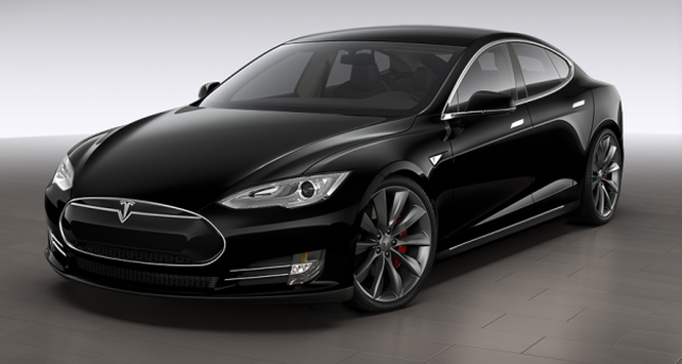 Xe điện Tesla tự động tăng tốc đột ngột, thoát tai nạn trong gang tấc ảnh 1