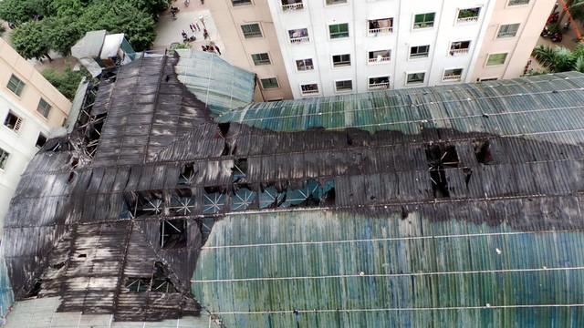 Hà Nội: Cháy lớn tại bể bơi lọt giữa 3 tòa chung cư Xa La ảnh 10