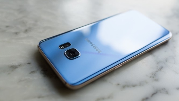 Top các smartphone có màu sắc được ưa chuộng dịp cuối năm ảnh 1