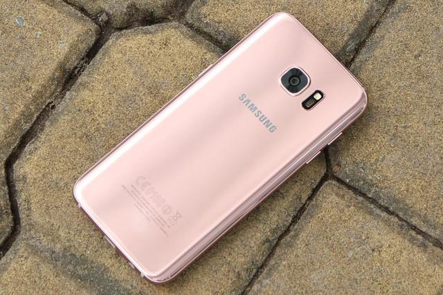 Top các smartphone có màu sắc được ưa chuộng dịp cuối năm ảnh 2
