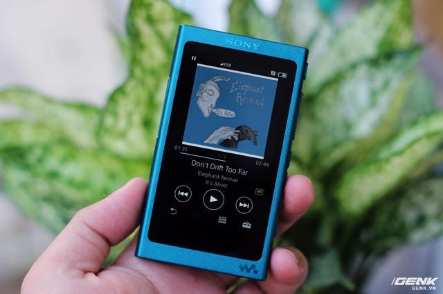 """Muốn thống trị thị trường tai nghe không dây, Bose và Beats cần """"bước qua xác"""" flagship này của Sony ảnh 13"""