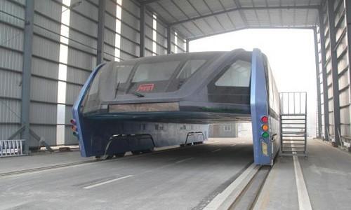 'Xe buýt bay' Trung Quốc đắp chiếu hai tháng do cạn tiền ảnh 1