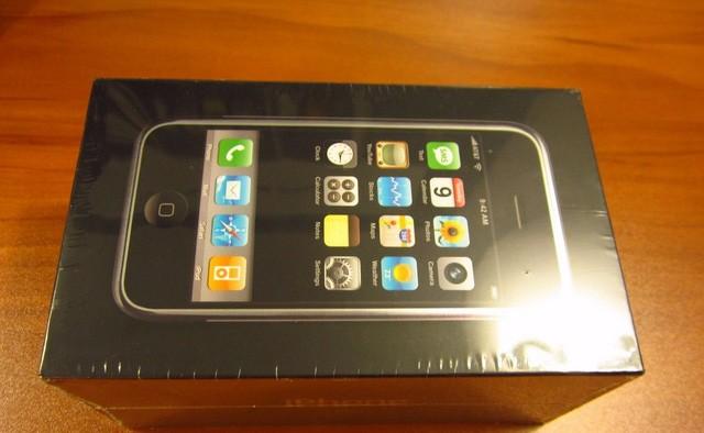 Xuất hiện iPhone đời đầu, còn nguyên seal được bán với giá 22.000 USD ảnh 5