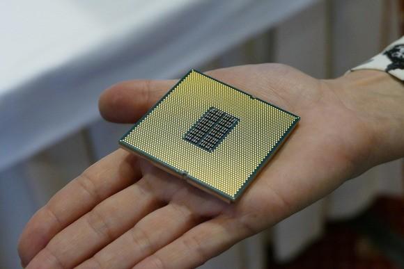 Qualcomm sắp giới thiệu chip ARM 10nm 48 lõi đột phá, nhưng liệu thị trường sẽ mỉm cười với họ? ảnh 1