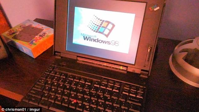 """Bất ngờ thú vị khi khám phá """"siêu phẩm"""" laptop cách đây 20 năm ảnh 1"""