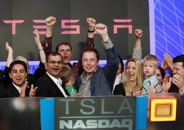 """""""Quái vật làng công nghệ"""" Elon Musk đã làm việc 100 giờ mỗi tuần suốt 15 năm như thế nào? ảnh 1"""