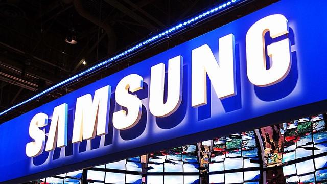 """Chiến lược mới của Samsung trong năm 2017: phát triển AI, màn hình dẻo và smartphone giá """"mềm"""" ảnh 1"""