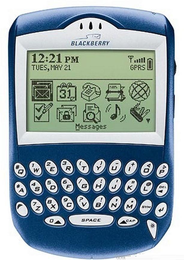 """10 """"huyền thoại"""" đốn tim biết bao thế hệ mong chờ ngày hồi sinh hơn cả Nokia 3310 ảnh 9"""